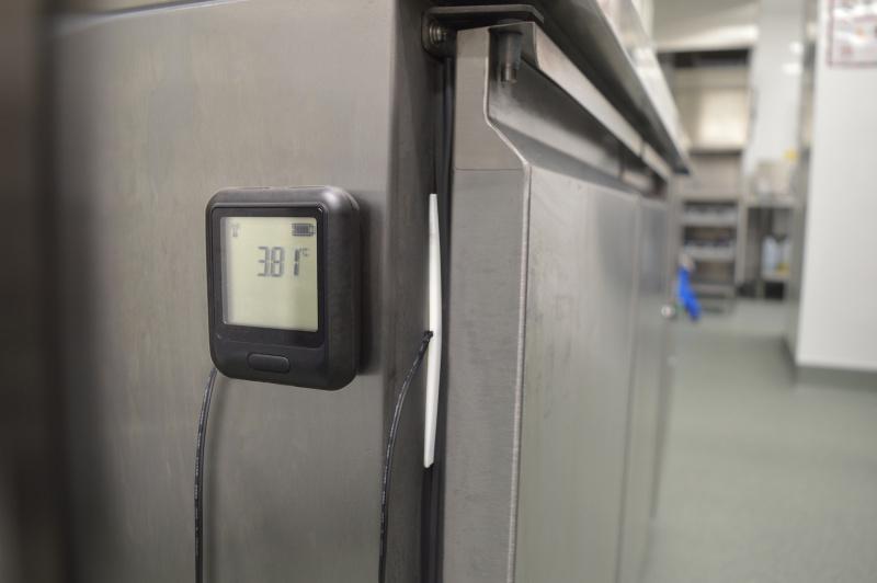 Оборудование для установки датчиков температуры холодильника и морозильника-1