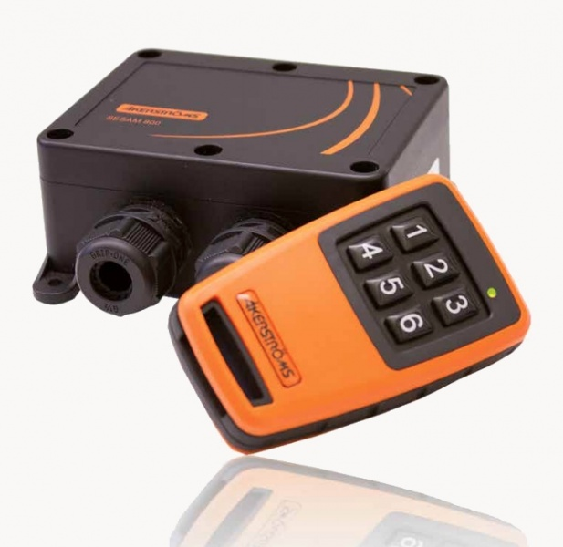Industrial remote control solutions for doors, gates, barriers, spotlights and other devices from Åkerström.-0