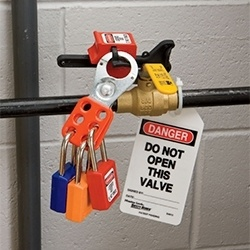 Master Lock - drošības slēdzeņu un brīdinājuma zīmju risinājumi-16